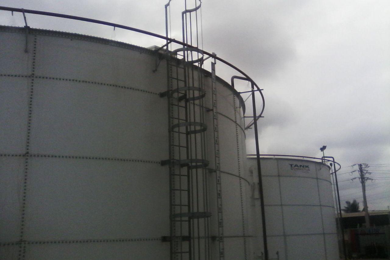 Bolted diesel storage tank