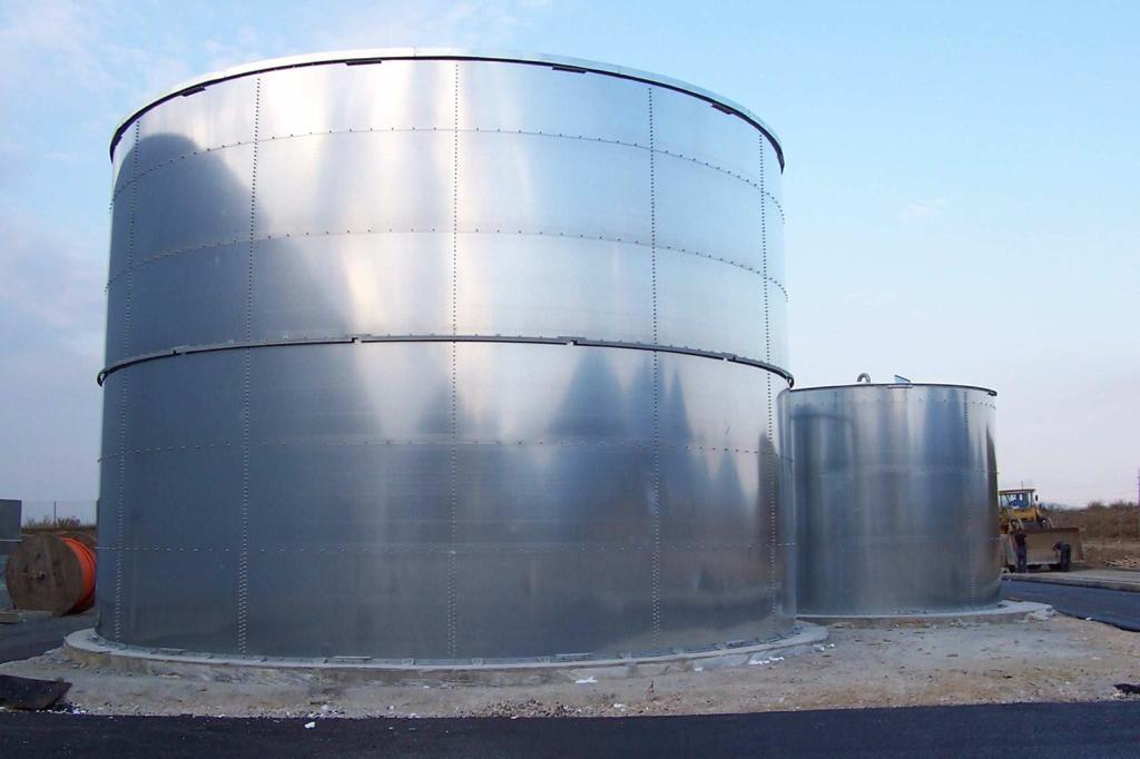Steel plate tank